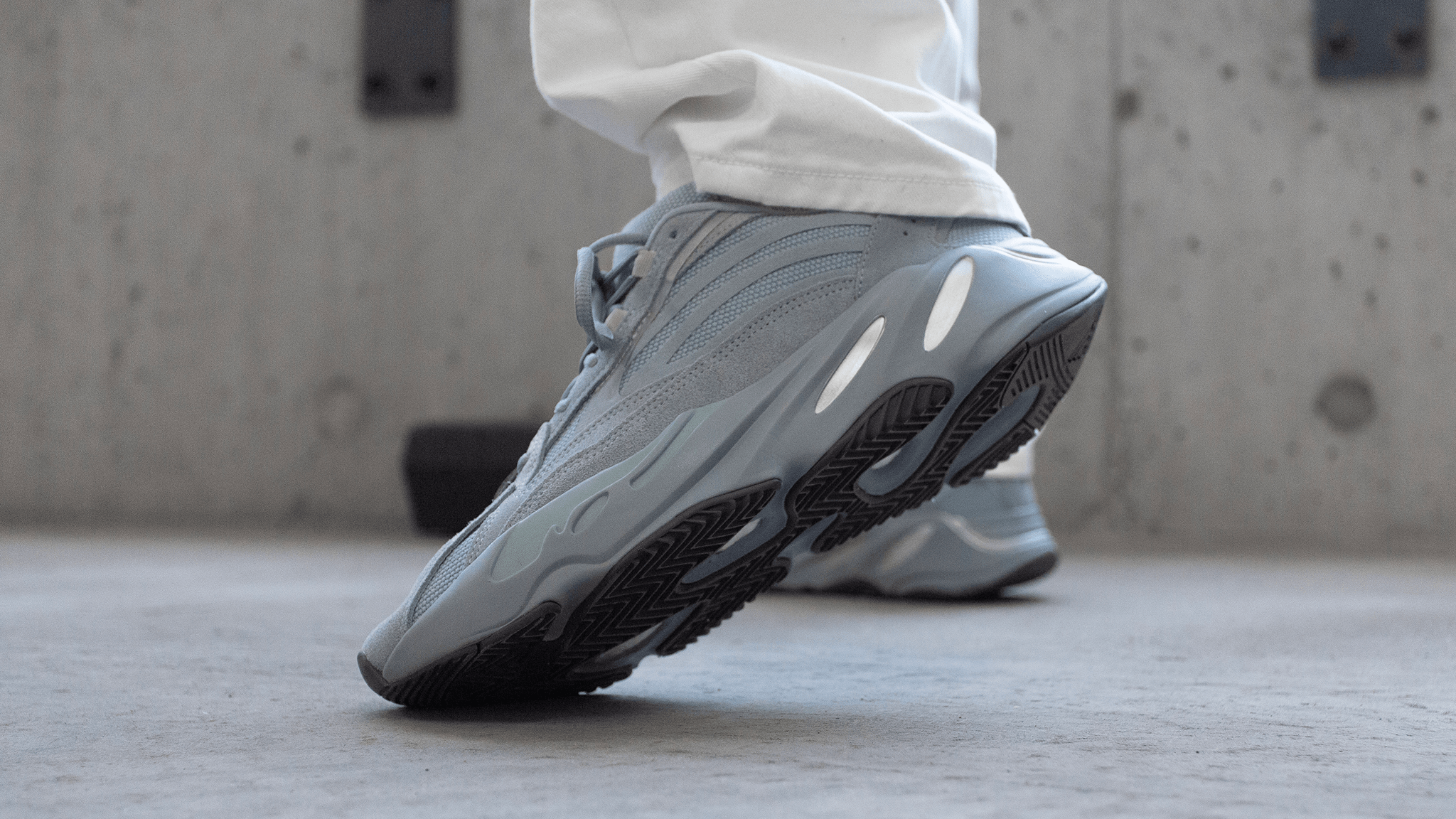 "YEEZY BOOST 700 V2 ""Hospital Blue"" First Look"